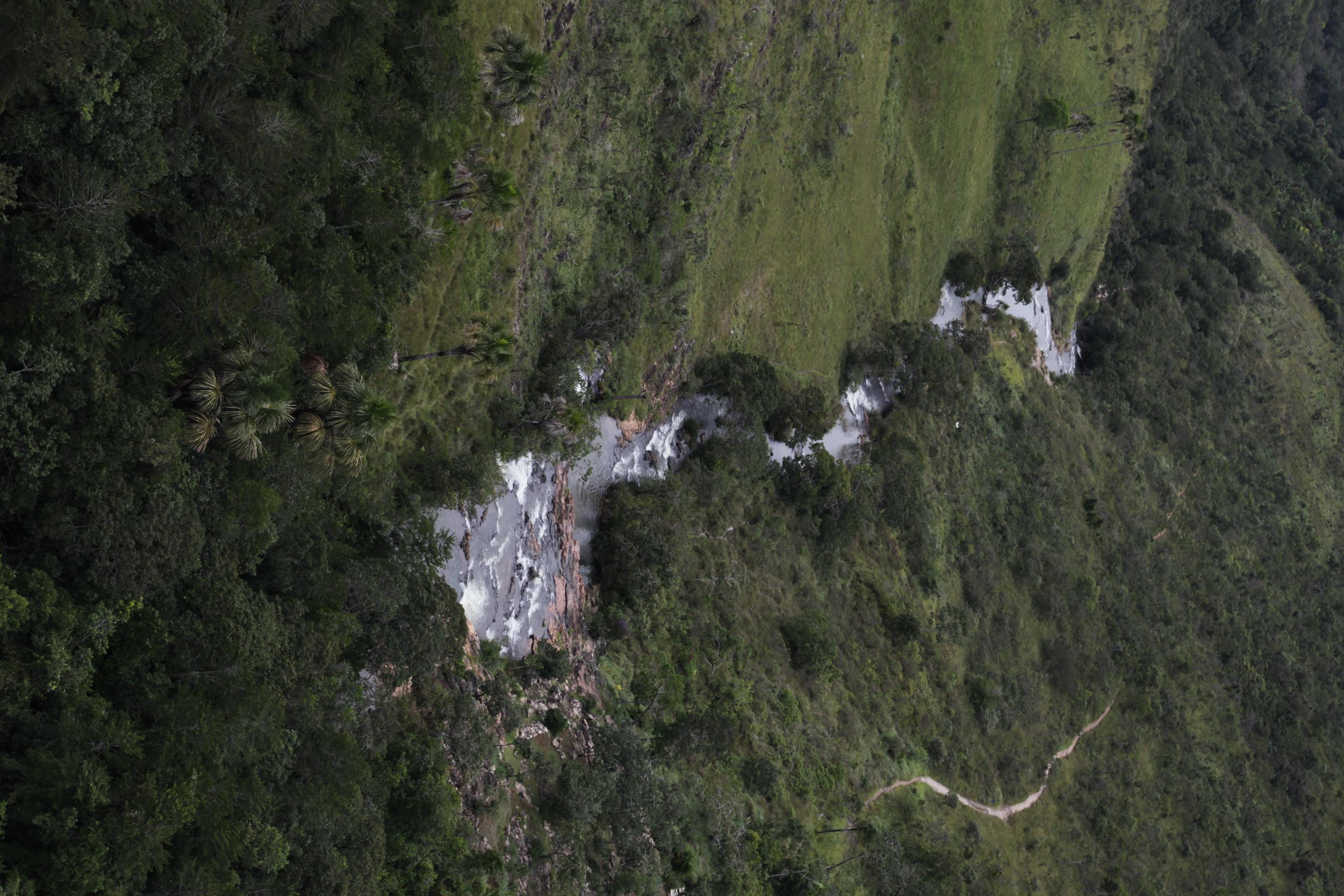 Cachoeira do Indaiá 2.JPG